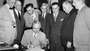 Atomic_Energy_Act_of_1946_signing