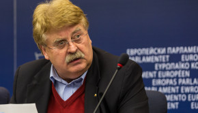 Elmar_Brok_Press_conference_Strasbourg_European_Parliament_2012-02-03_05