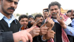 Iraqi_voters_inked_fingers