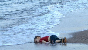 afp-migrant-childs-body-on-beach-shocks-europe